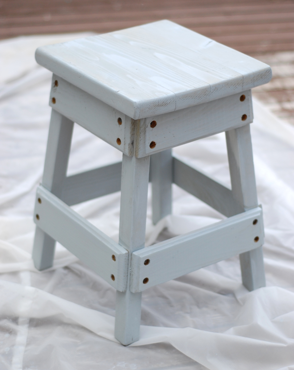 Nautical Stool Refinish - Turn a bland wood stool into a fun nautical themed piece, perfect for a bathroom or your oceanic-themed room!